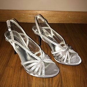 Silver heels - size 8 - Touch of Nina - BRAND NEW